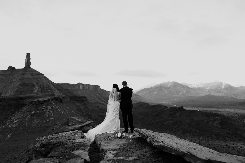 64_moab-utah-elopement-photographer-115.jpg