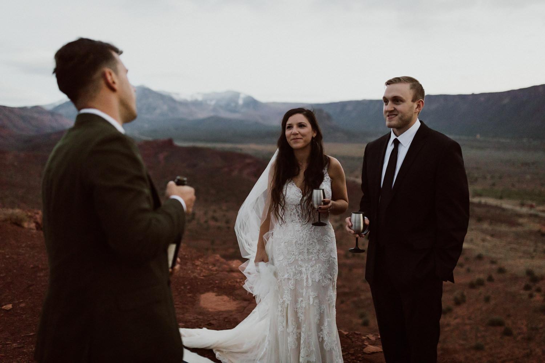 74_moab-utah-elopement-photographer-129.jpg