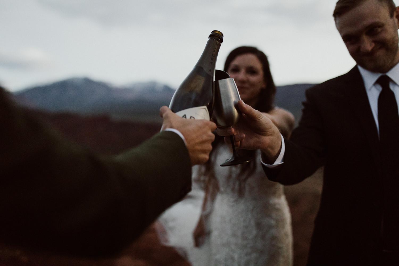 75_moab-utah-elopement-photographer-130.jpg