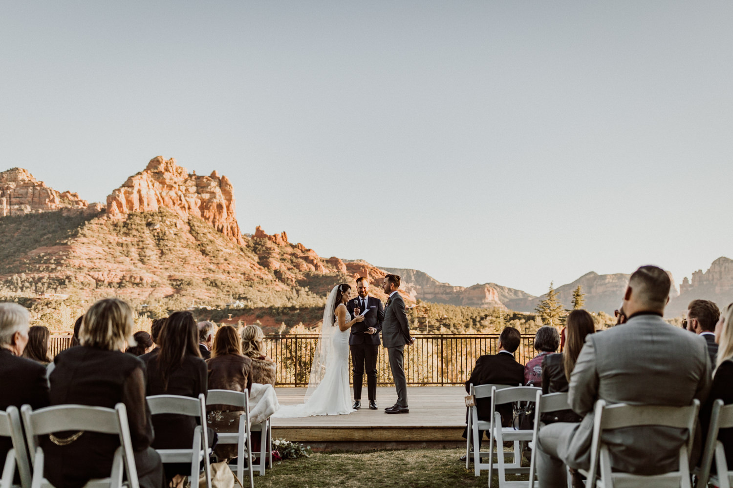 26_intimate-sedona-arizona-wedding-38.jpg