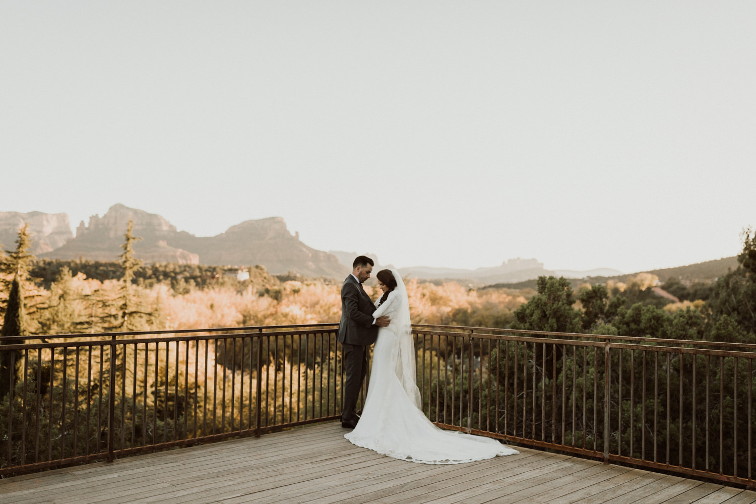 30_intimate-sedona-arizona-wedding-43.jpg