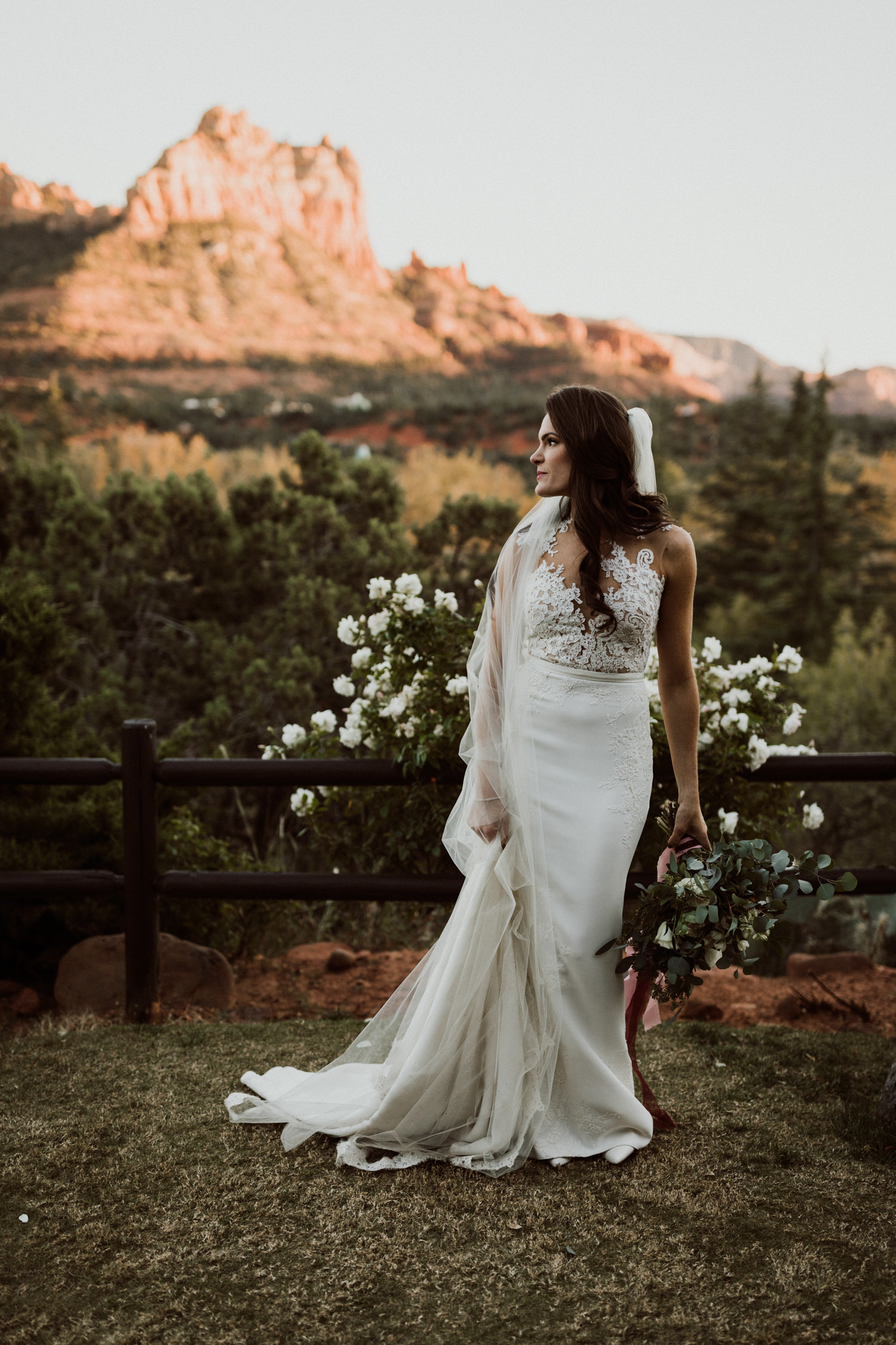 38_intimate-sedona-arizona-wedding-57.jpg