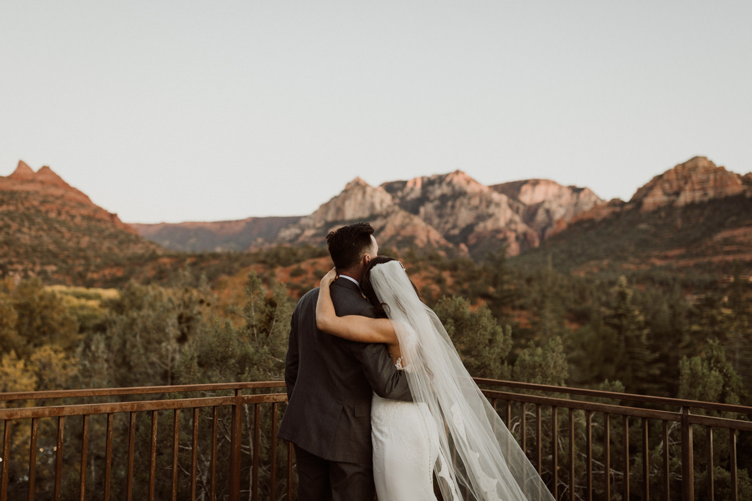 44_intimate-sedona-arizona-wedding-63.jpg