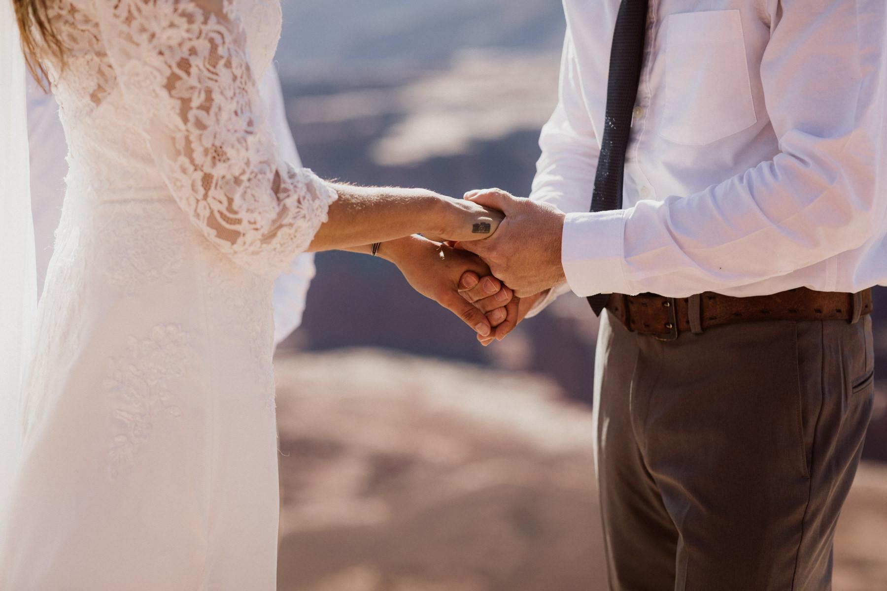 moab-adventure-elopement-15.jpg