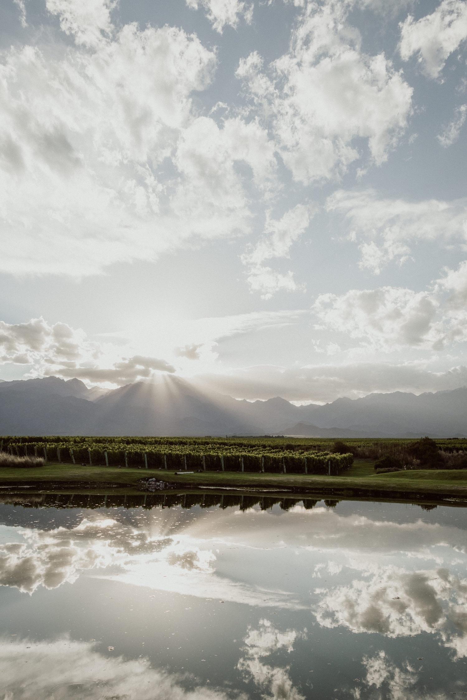 015_mendoza_country_argentina_wine.jpg