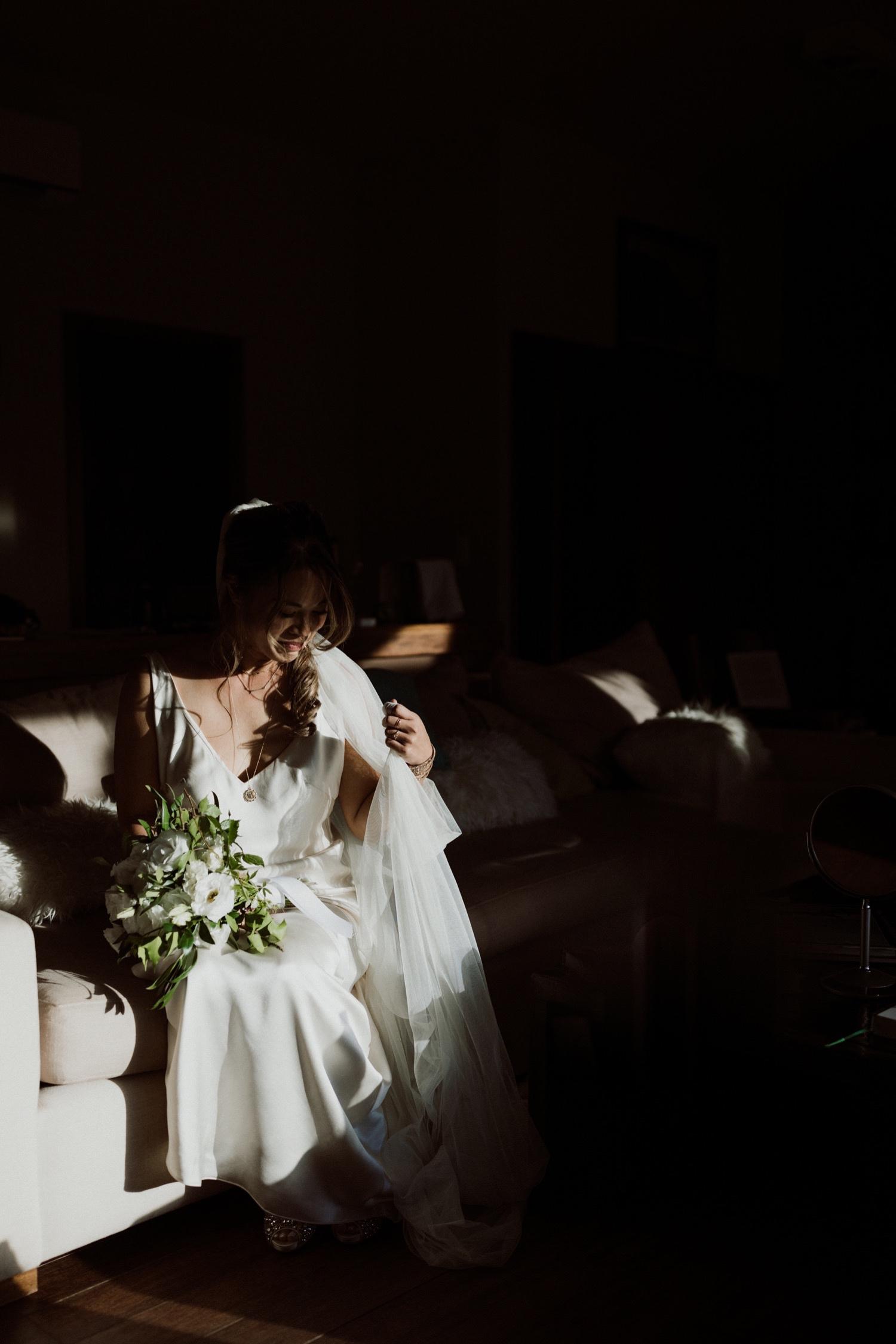 046_bride_before_ceremony.jpg