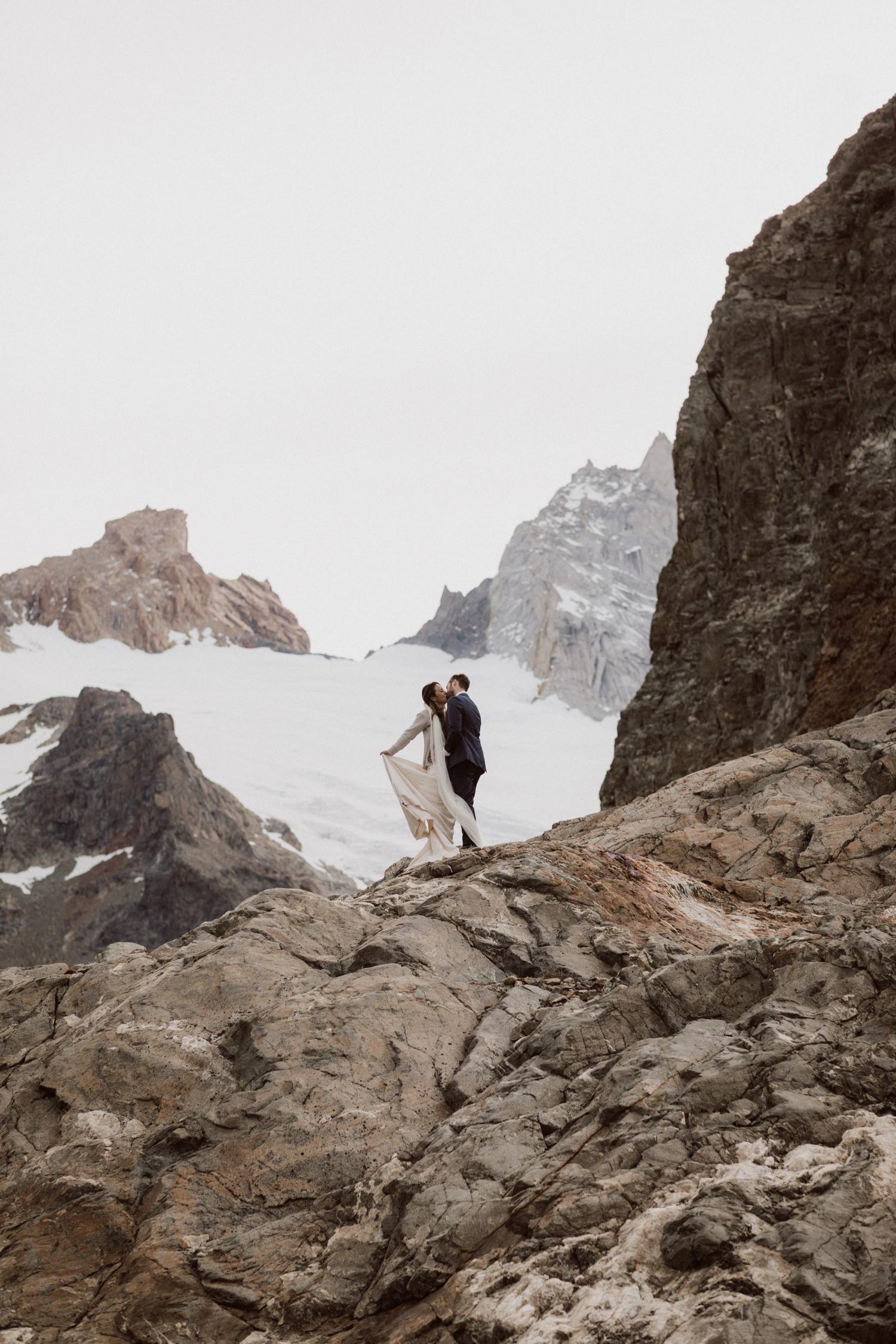 41_glacier_winter_elopement_patagonia_wedding.jpg