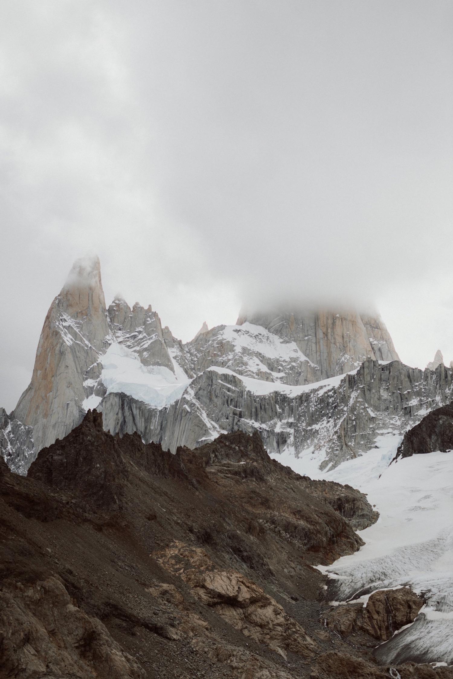 09_laguna-de-los-tres-patagonia-elopement-15.jpg