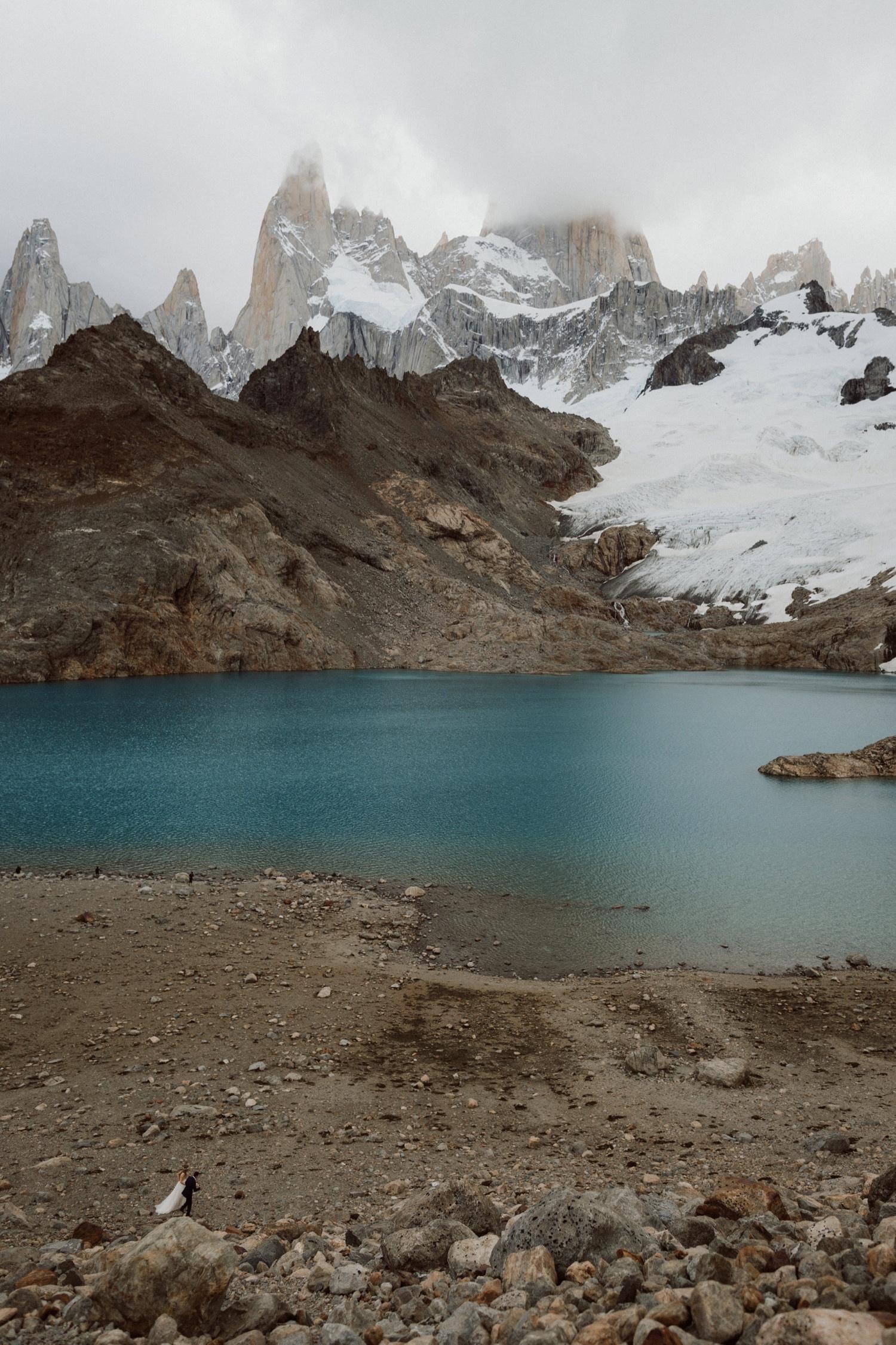 15_laguna-de-los-tres-patagonia-elopement-23.jpg