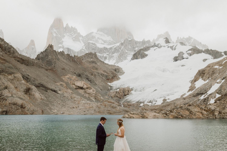 26_laguna-de-los-tres-patagonia-elopement-37.jpg