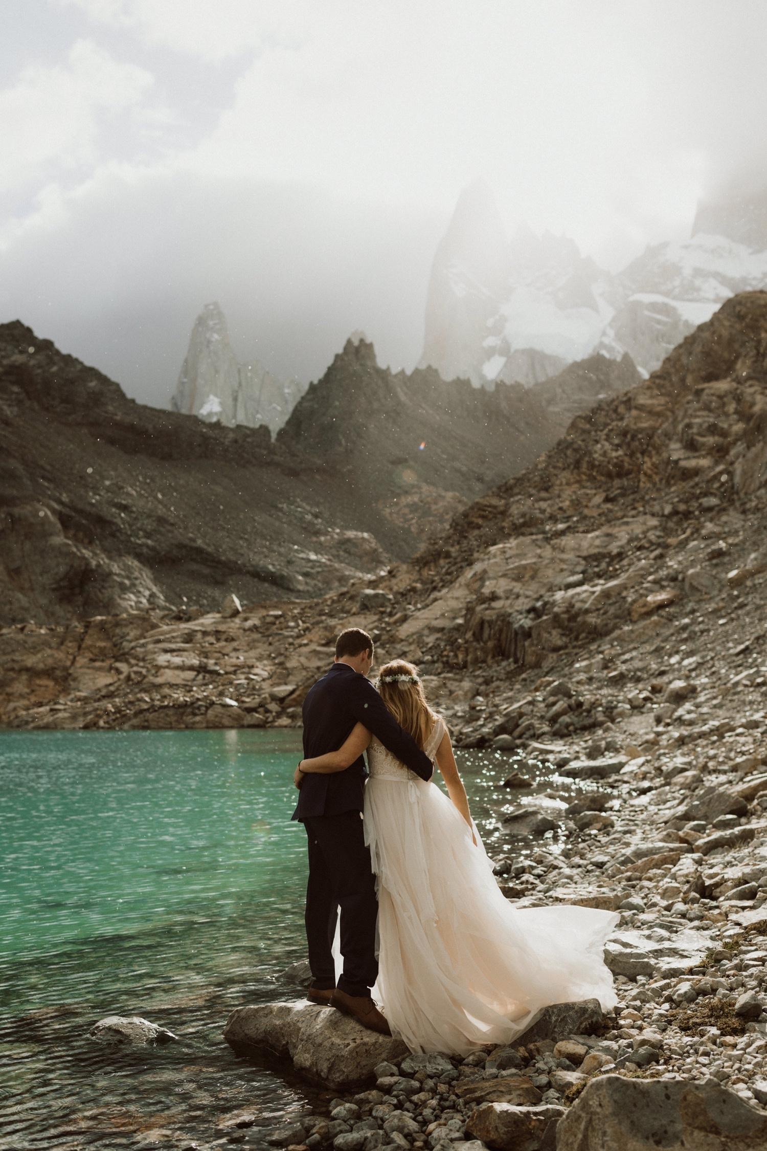 41_laguna-de-los-tres-patagonia-elopement-60.jpg