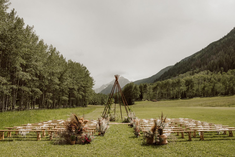 08_bohemian-wedding-in-aspen-colorado-11.jpg