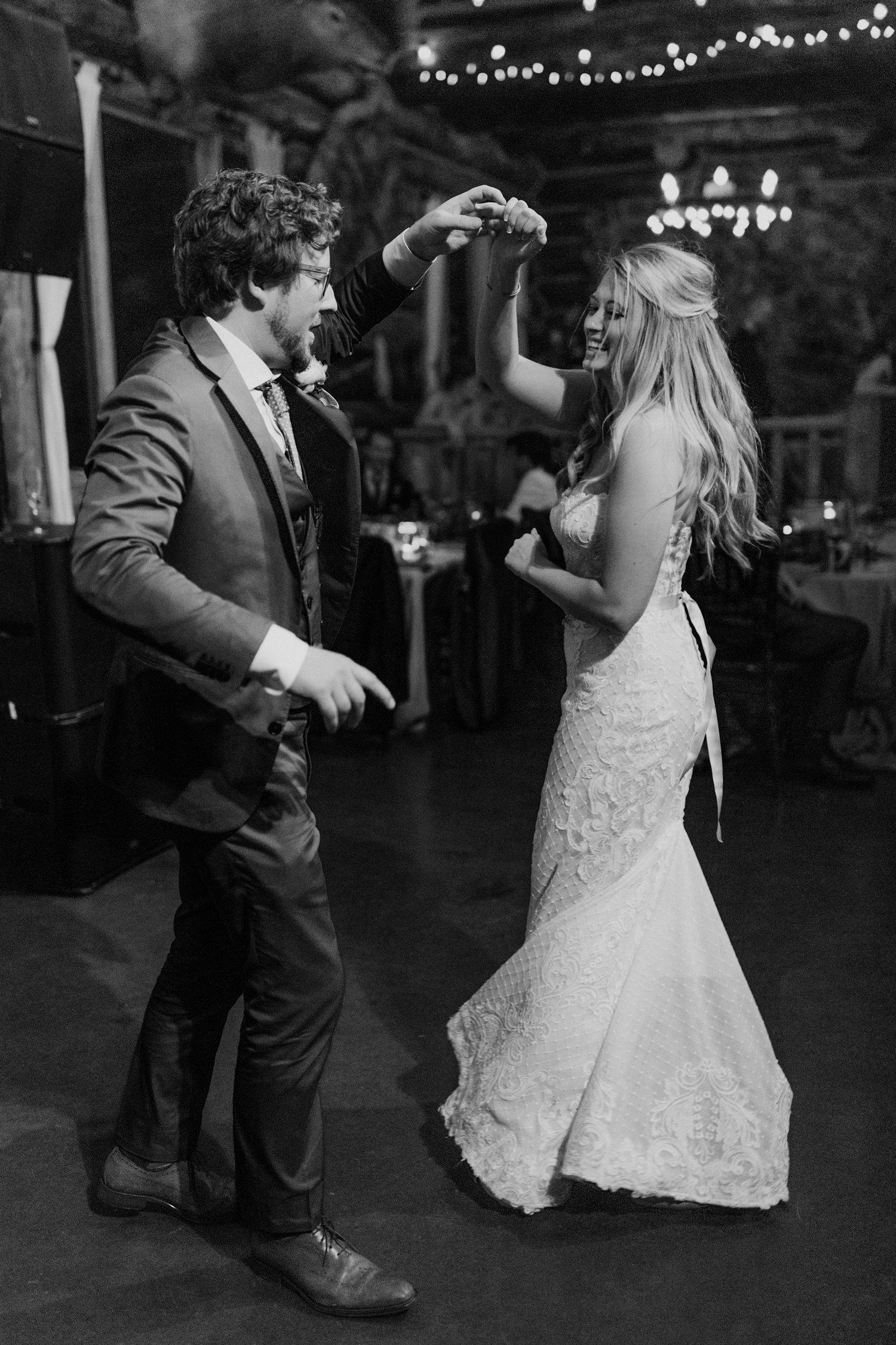 23_bohemian-wedding-in-aspen-colorado-27.jpg