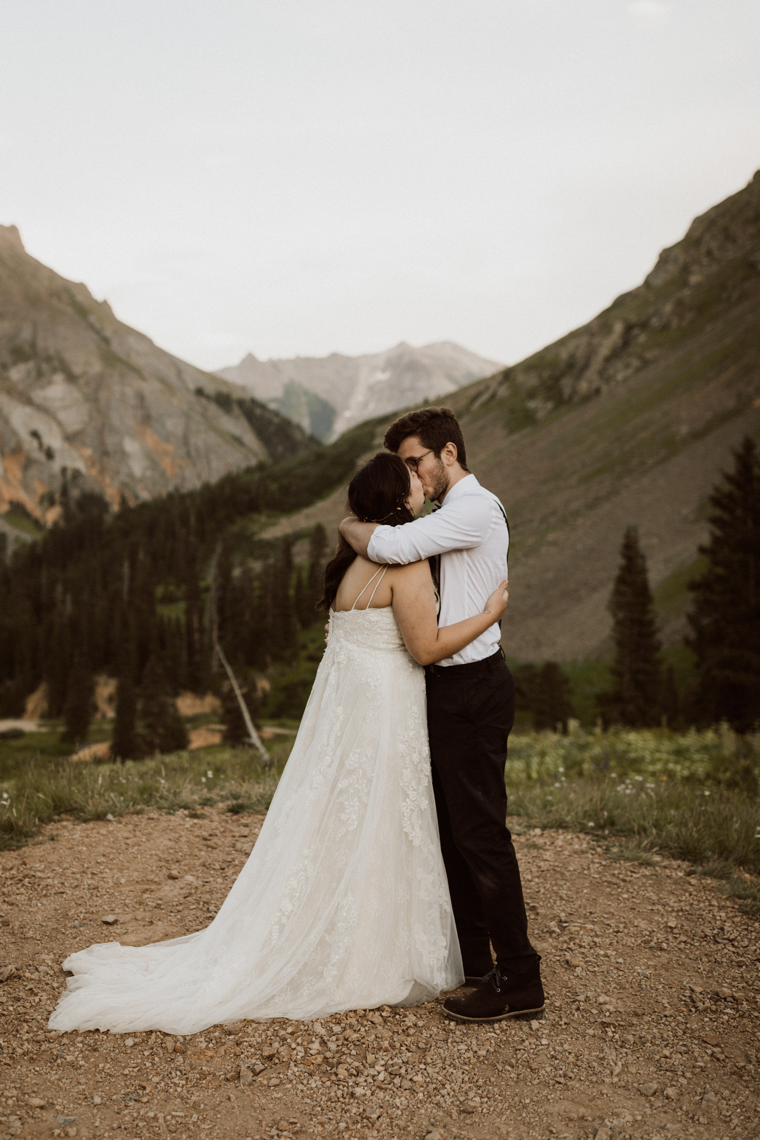 08_ouray-jeeping-elopement-13.jpg