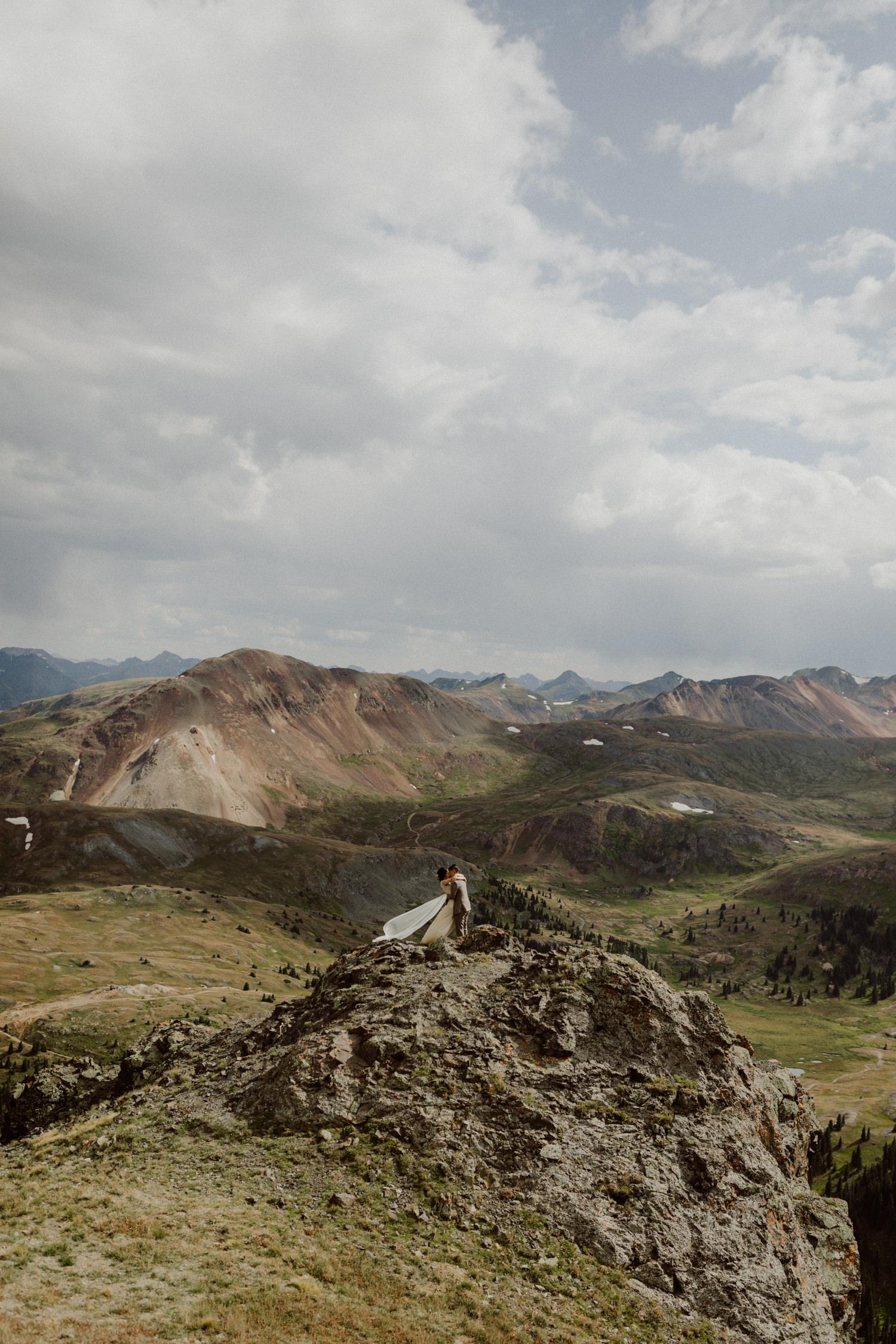 adventurous-colorado-mountain-elopement-11.jpg
