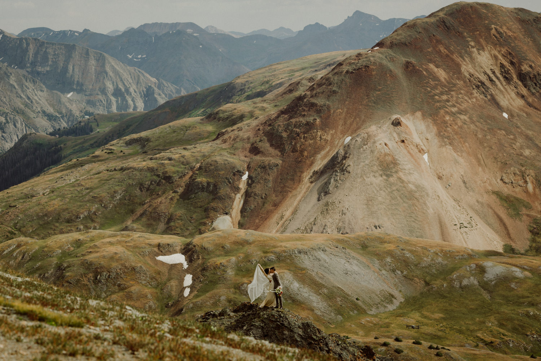 adventurous-colorado-mountain-elopement-13.jpg