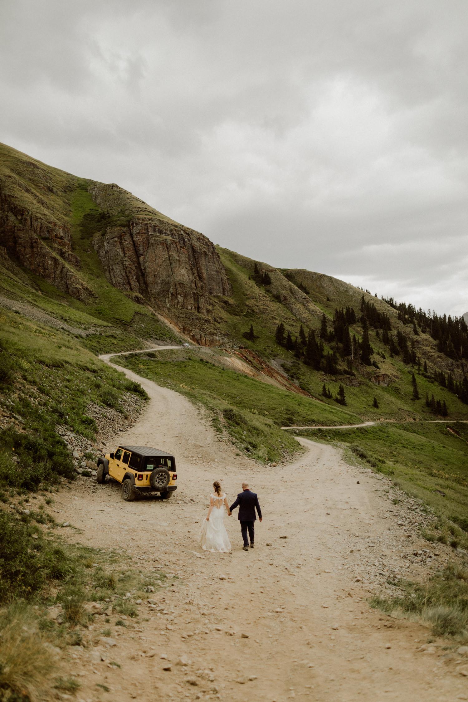 jeep-elopement-silverton-colorado-wedding-9.jpg