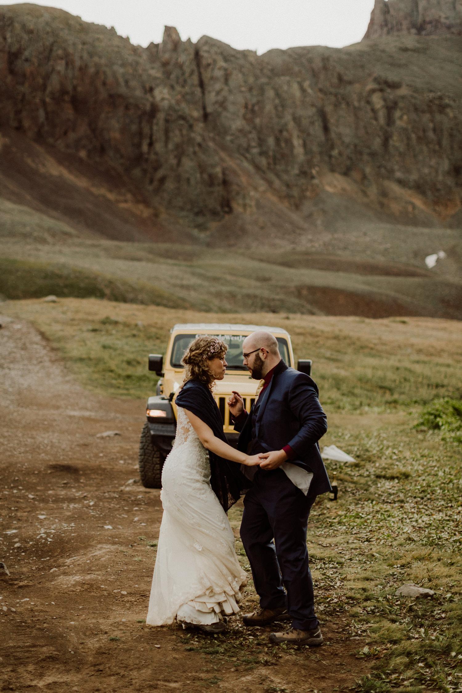 jeep-elopement-silverton-colorado-wedding-16.jpg