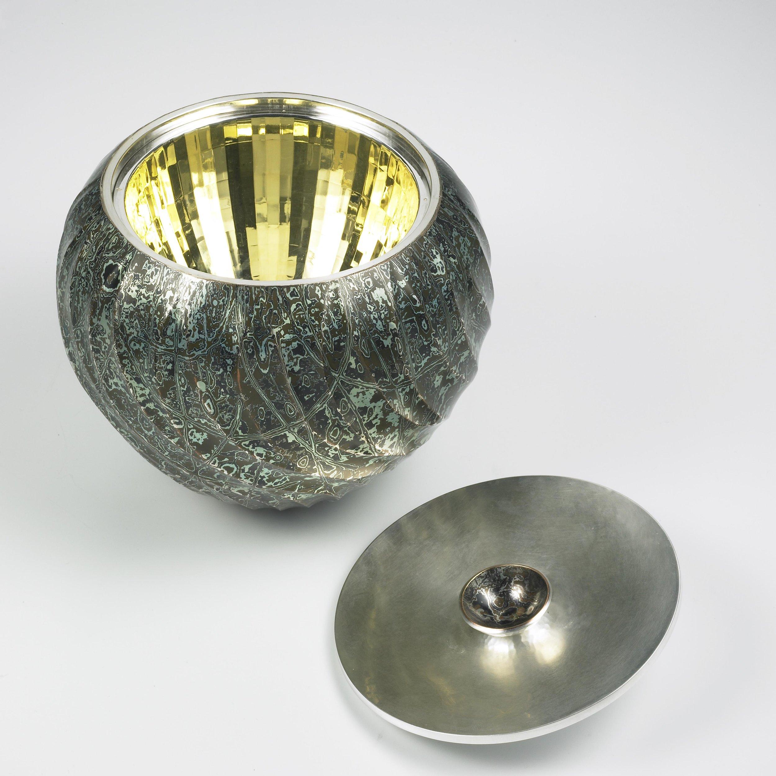 2011-SBDA-Hollowware-1st Place (Grand Prize)-Wayne Meeten-2_lg.jpg