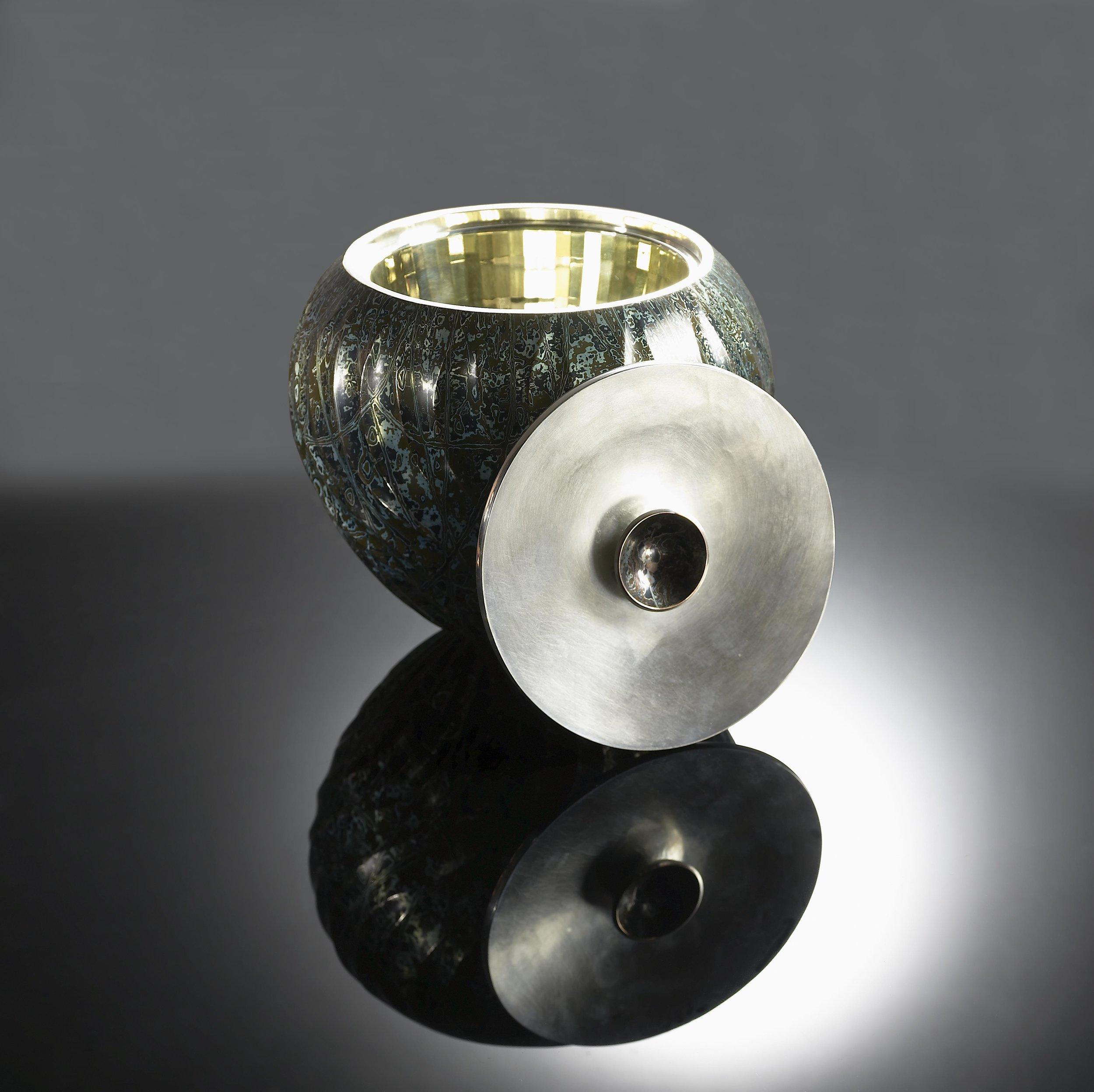 2011-SBDA-Hollowware-1st Place (Grand Prize)-Wayne Meeten-4_lg.jpg