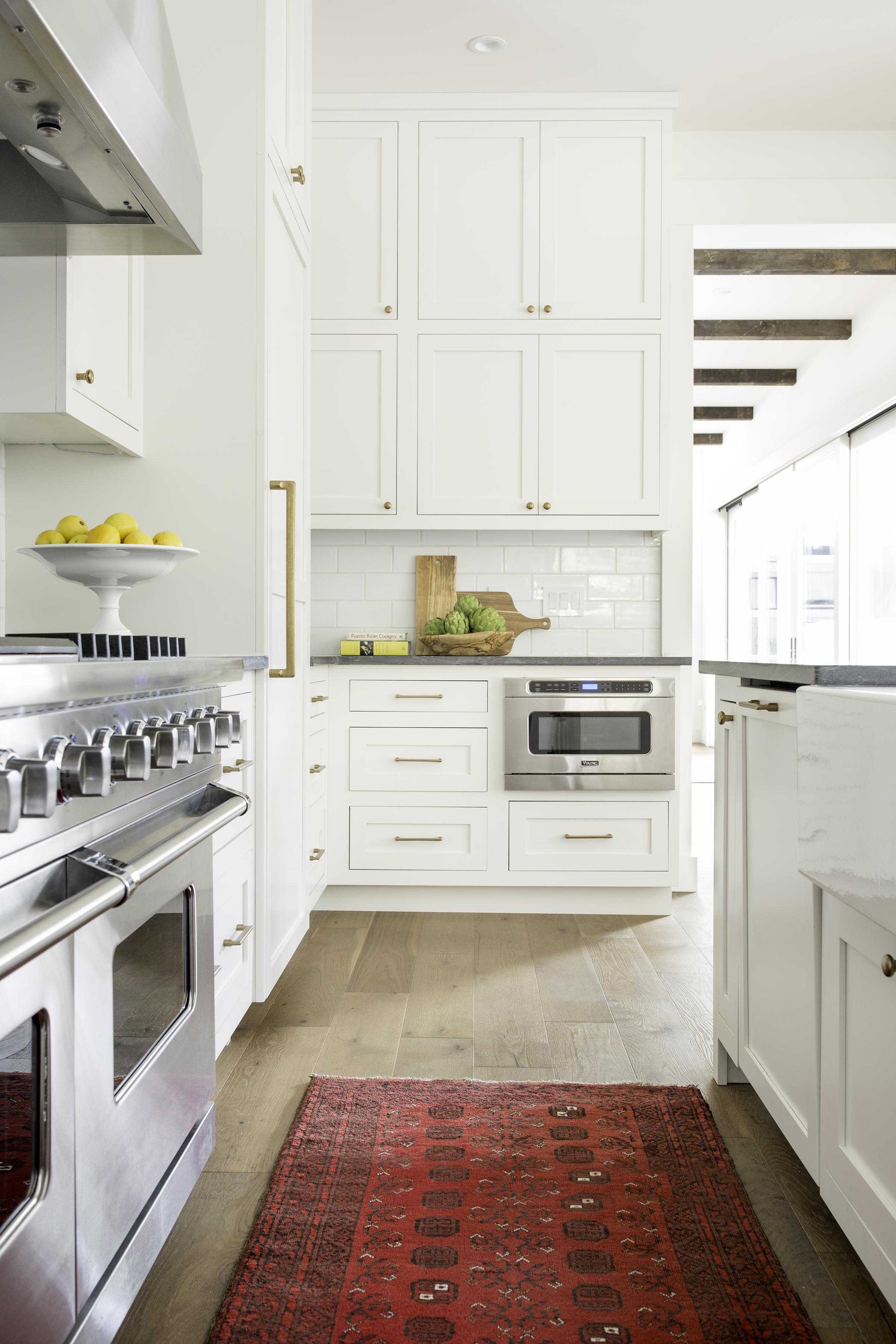 la-finca-kitchen.jpg