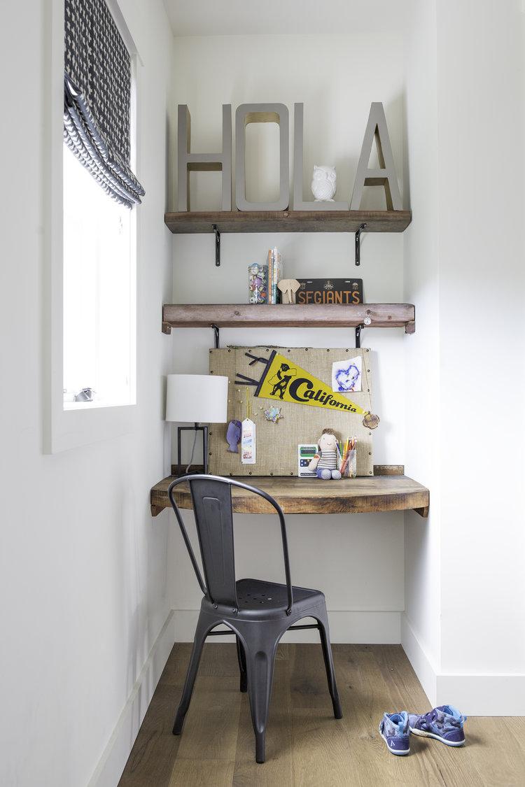 bretano-way-la-finca-desk.jpg