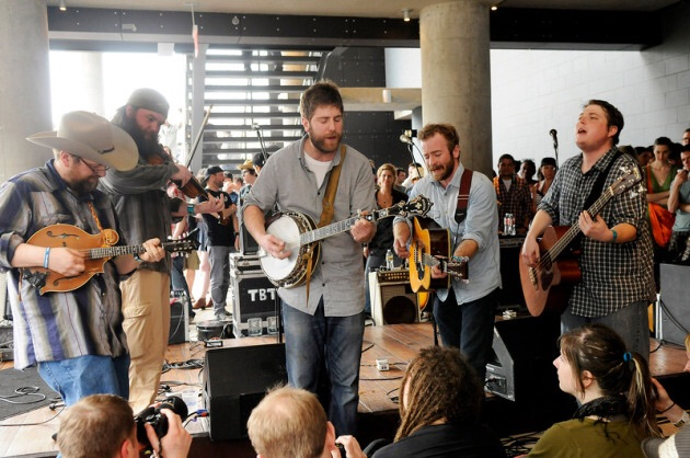 Rippin' it up organically - Trampled by Turtles WAIL with a side of bluegrass