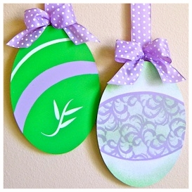 easter egg door hanger.png