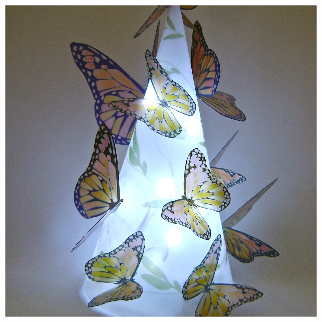 lighted butterflies lamp.JPG