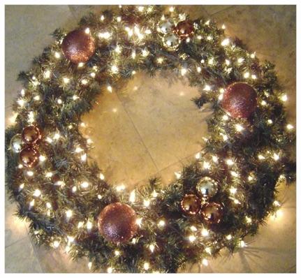 Giant Wreath Tiny Price.jpg