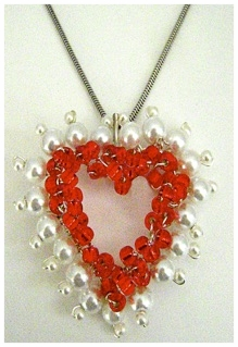 Red heart pearl pendant.jpg
