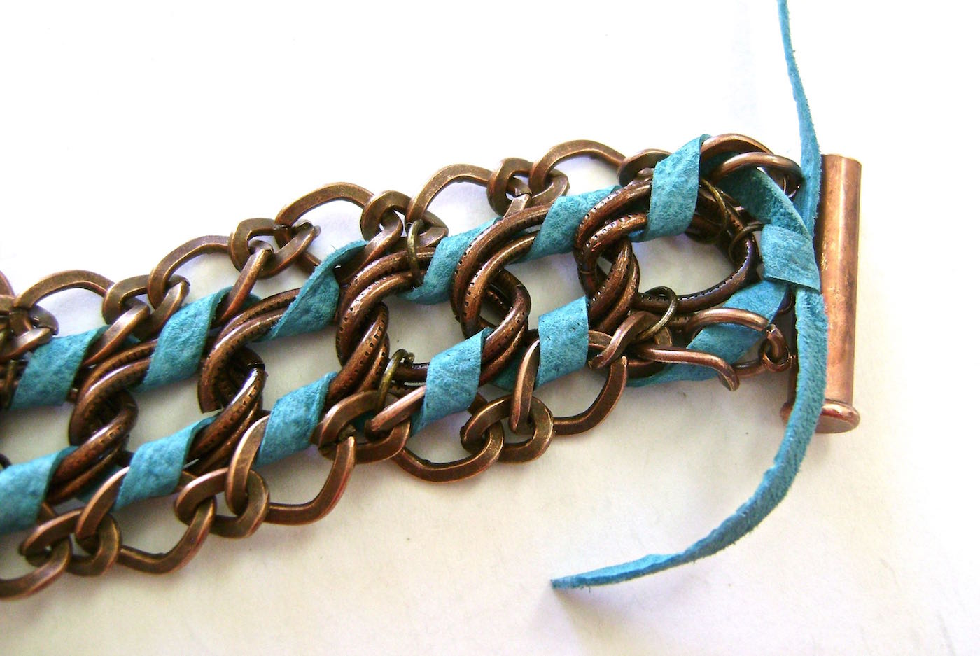 step 6 - When you return to where you started, tie the lace ends together.