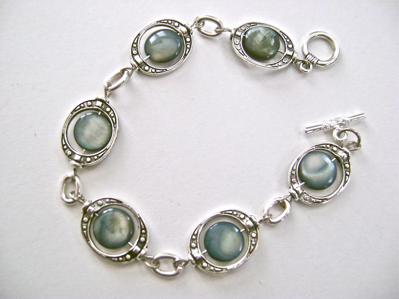 See the matching  Blue Eyed Bracelet