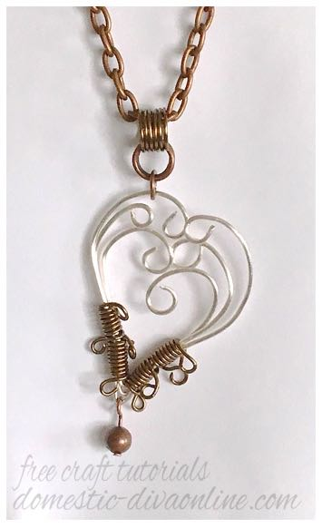 lopsided wire heart pendant.jpg
