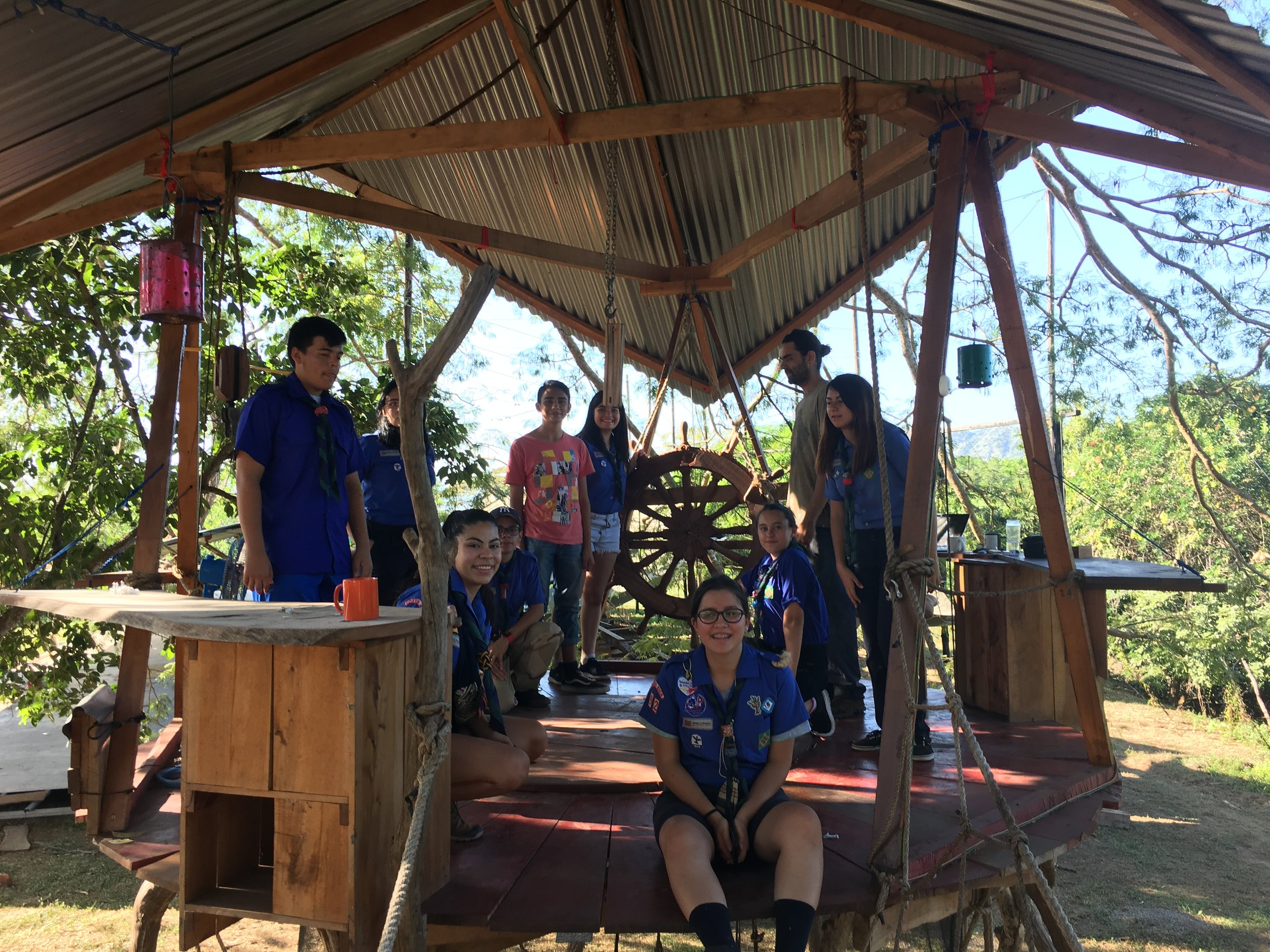 Tree-house with the scouts and the helm of  Ceiba  in the background.