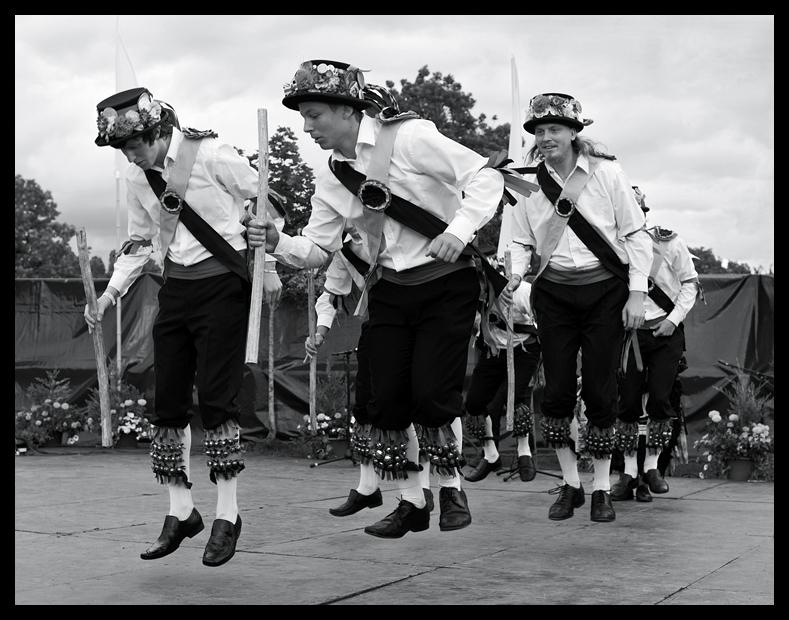 MORRIS DANCERS AT TOWERSEY FESTIVAL