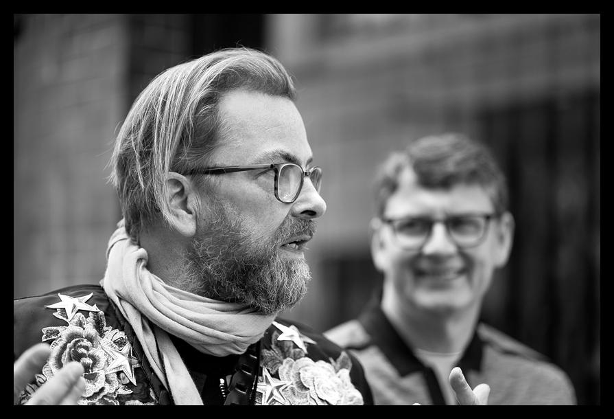 Thorsten explaining the Finer Points - Leica SL