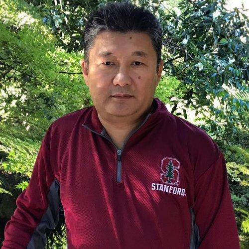 """Ш. Баатар   ОХУ-ын Новосибирск хотын Техникийн их сургуулийг төгсөөд Япон улсын Хамамацу хотын Анагаах ухааны дээд сургуульд докторын зэрэг хамгаалсан. АНУ-ын Харвардын их сургууль, MIT- гийн дундын тэнхимд постдок хийсэн. БАМХ-г үүсгэн байгуулж, анхны тэргүүнээр ажиллаж байсан. """"Миний өссөн монгол ахуй"""" ном бичиж хэвлүүлсэн."""