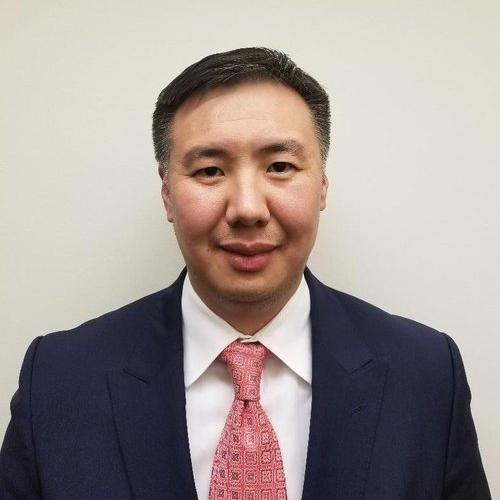 Г. Мэнджаргал   Монгол Улсын Санхүү, эдийн засгийн дээд сургууль, Австрали Улсын Шинэ өмнөд Вэйлсийн дээд Сургууль төгссөн. Нягтлан бодогч, ОУ-ын эдийн засагч, бизнесийн удирдлага мэргэжилтэй. МУ-ын ГХЯ-ны Ёслолын хэлтэст атташе, МУ-аас АНУ-д суугаа ЭСЯ-нд атташе, ГХЯ-ны Дипломат Ёслолын газарт зөвлөхөөр ажилласан. МУ-аас АНУ-ын Сан Франциско хотод суугаа Ерөнхий Консулын Газарт консул. 2017 оноос БАМХ-ны УЗГ.