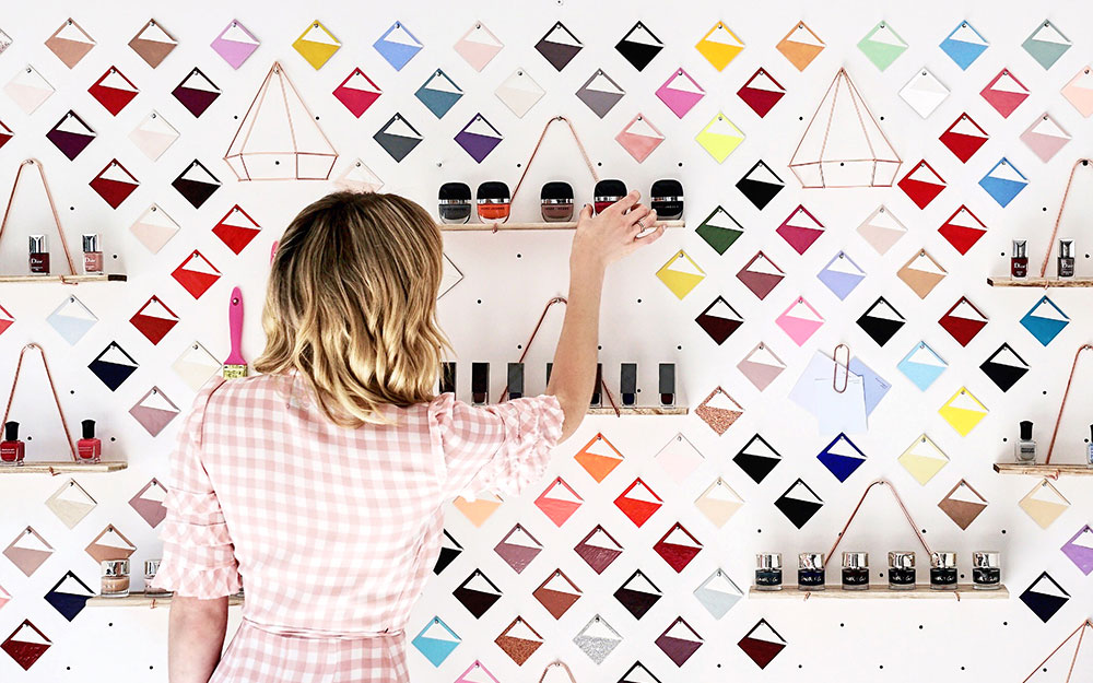 pb-paintbucket-interior-color-wall-1.jpg