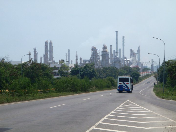Refineries everywhere. The Venezuela Chapter - cjG.