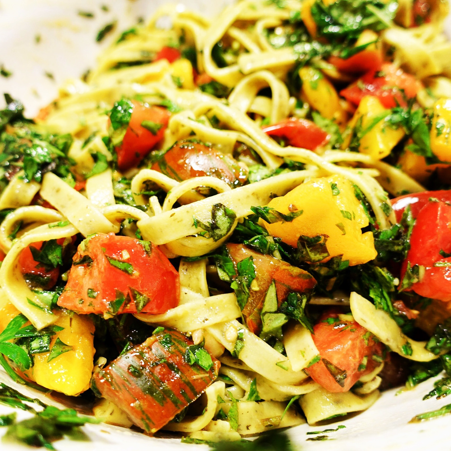 raw tomato herb pasta