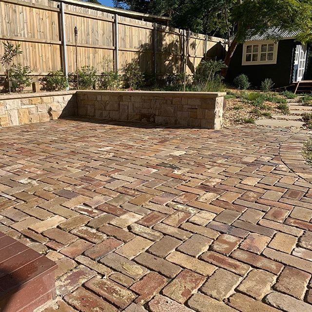 A little bit of seconds brick paving, a little bit of dressed up reclaimed stone. #stonecraftgardens #sydneylocal #landscaping #sydneygardens #masonry