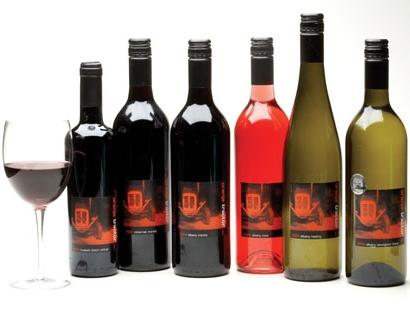 small New bottle pics dec 05 001.jpg
