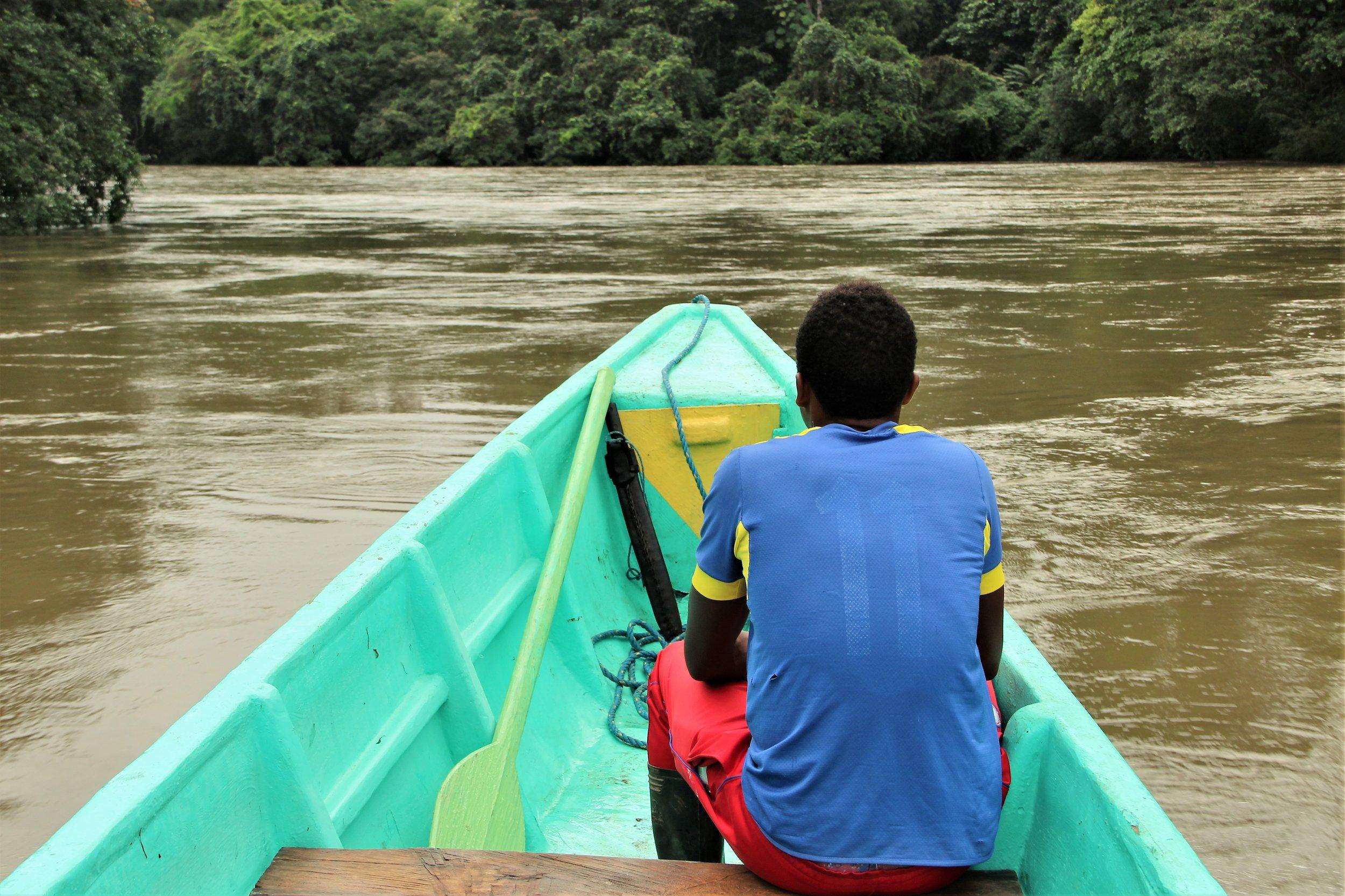 foto paseo canoa playa de oro (1).JPG