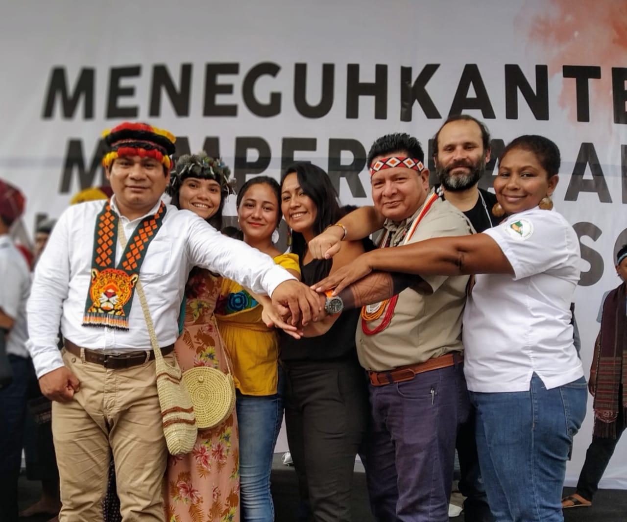 Delegados y delegadas latinoamericanos participan en Jakarta, Indonesia, de los eventos de conmemoración del vigésimo aniversario de la Alianza de Pueblos Indígenas del Archipiélago, AMAN, de Indonesia.