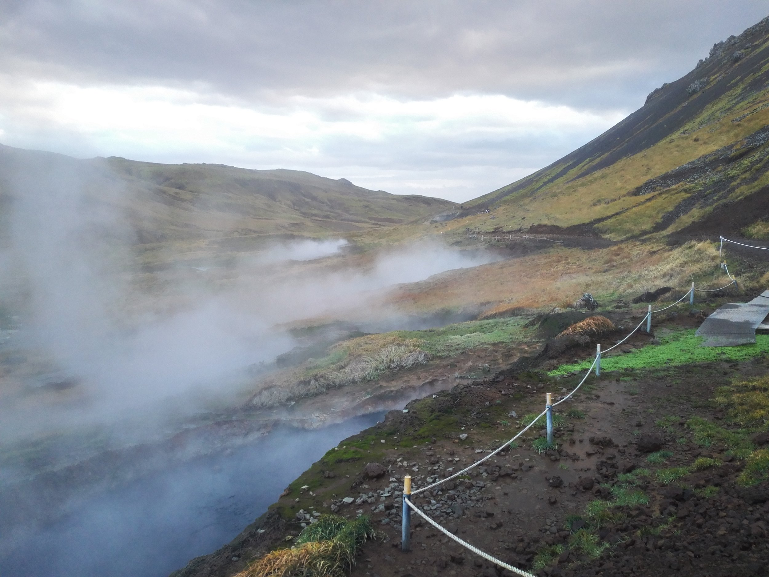 The way to Reykjadalur