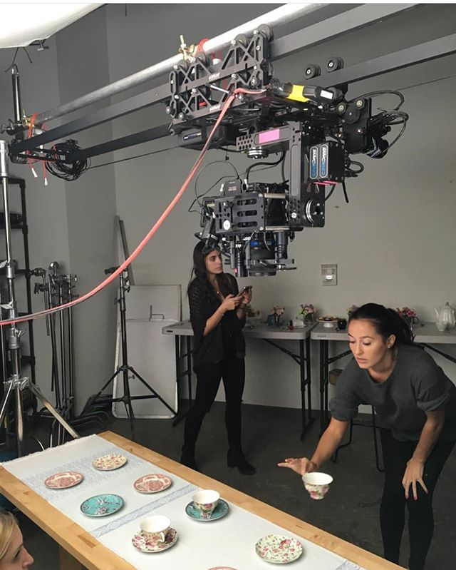 Check out this cool CineDrive tabletop setup by @hellomsrobot shooting food from above.  #moco #motioncontrol #cinedrive #food #production
