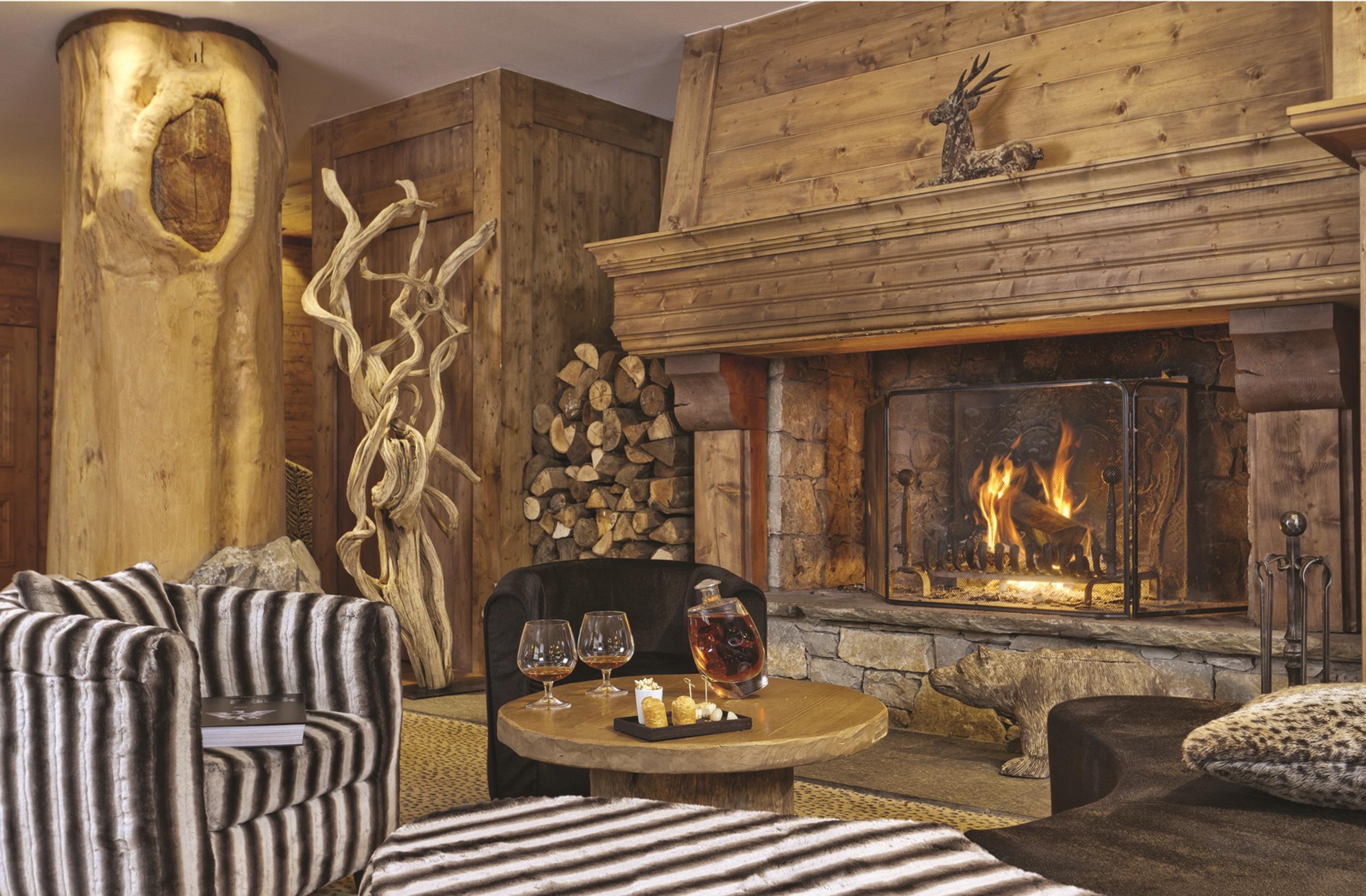 Bar fireplace.jpg