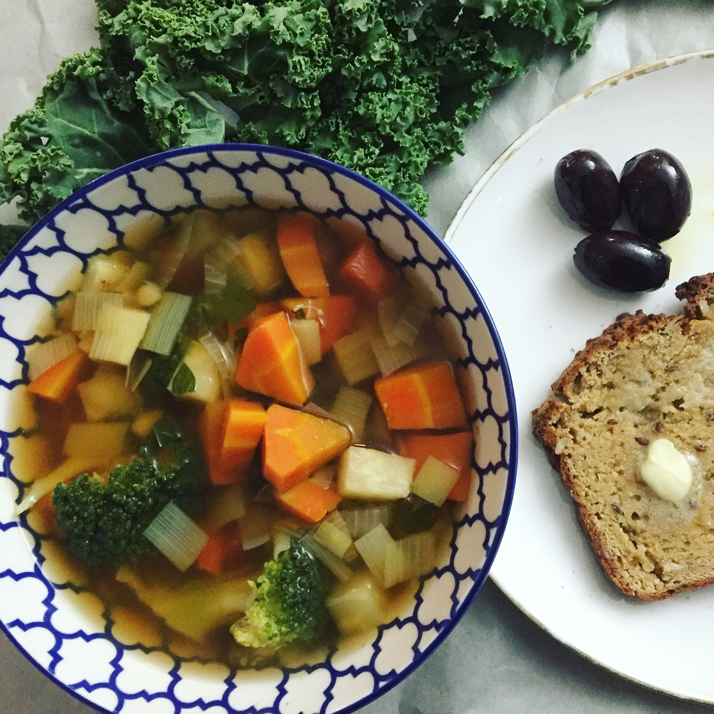 Wholesome winter soup with gluten free bread
